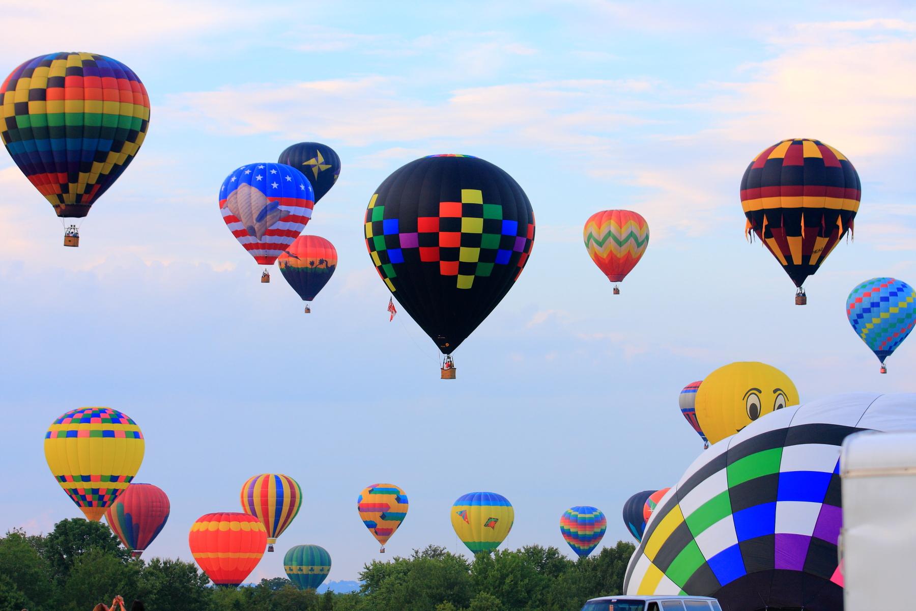 Balloonsbright.JPG