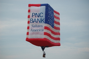 balloon photo pnc american flag.JPG